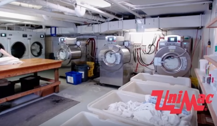 5 Mistakes You're Probably Making In Your Hotel's Laundry Room